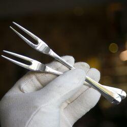 Zilveren vorken in 1e gehalte zilver om beleg mee op te prikken bij Zilver.nl