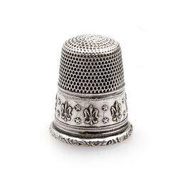 Zilveren vingerhoed Franse lelie