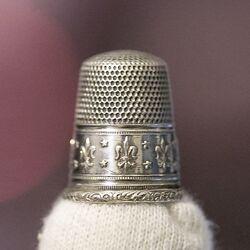 Antieke zilveren vingerhoed Franse Lelie Gabler Duitsland rond 1900