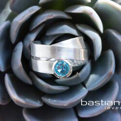 Bastian Inverun wikkel ring blauw topaas 38951