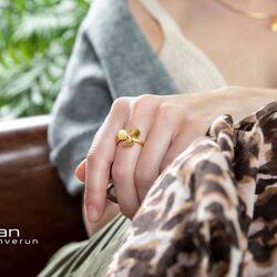 Bastian Inverun vergulde ring bloem diamantje