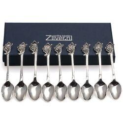 9 zilveren theelepeltjes met roccaille aan de steel