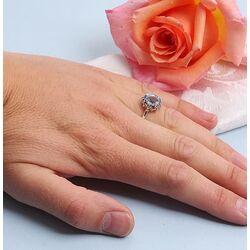 Ring bezet met markasiet en een topaas