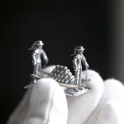 Zilveren kaasdragers miniatuur gemaakt rond 1975
