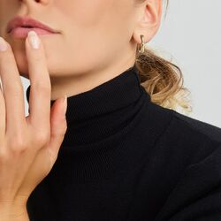 Geelgouden cross-over oorringen met diamantjes