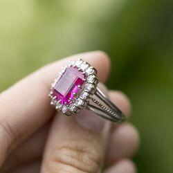 witgouden ring briljant en roze korund
