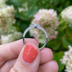 Witgouden ring bezet met 67 briljanen 0,84ct