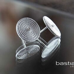 Bastian Inverun ronde oorstekers met diamantje