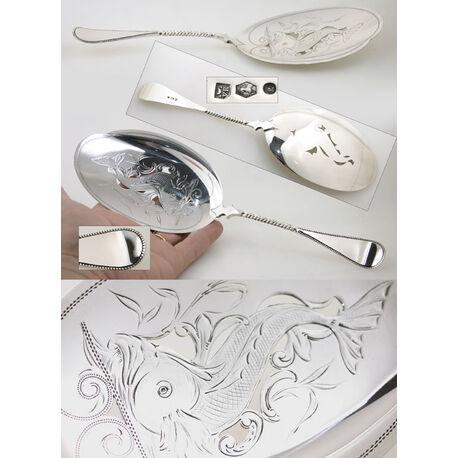 Zilveren visdienschep model parelrand