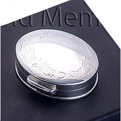 Zilveren ovale doosje gegraveerd