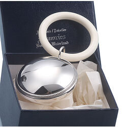 Zilveren rammelaar parelrand plat
