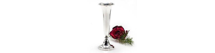 Zilveren vazen, jardinieres