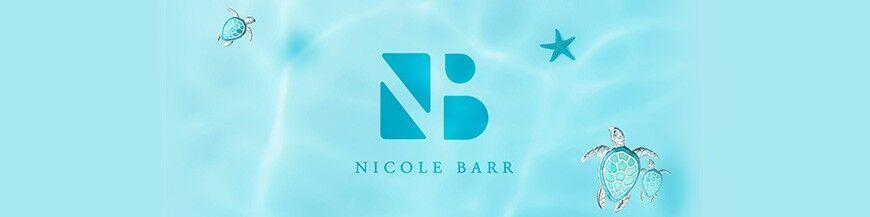 Nicole Barr bedels