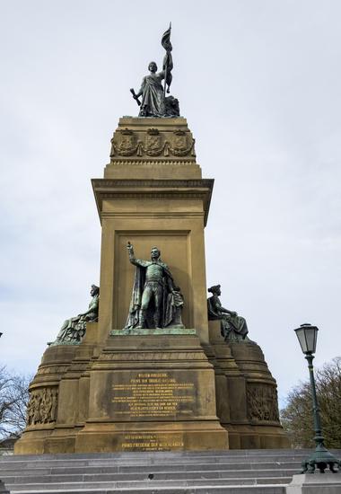 Het Nationaal monument Den Haag Galvanoplastiek Van Kempen Zilver.nl