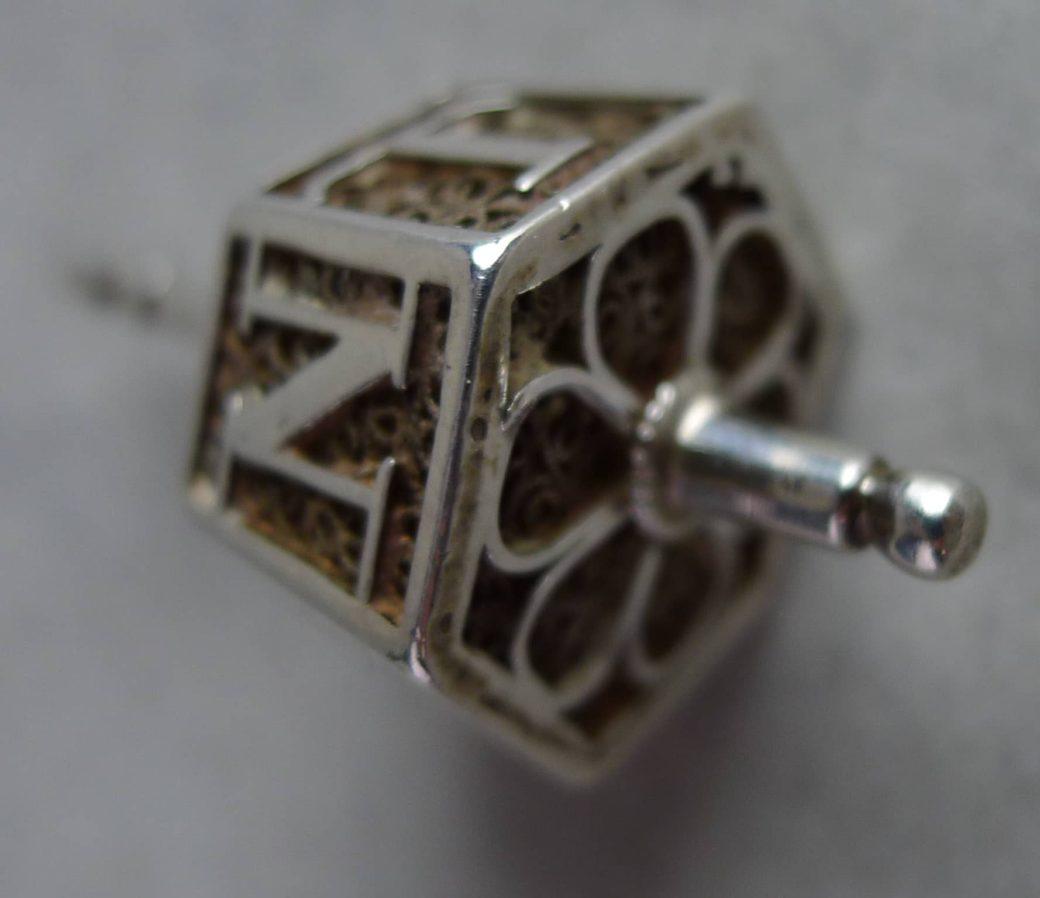 Zilveren A-A tolletje