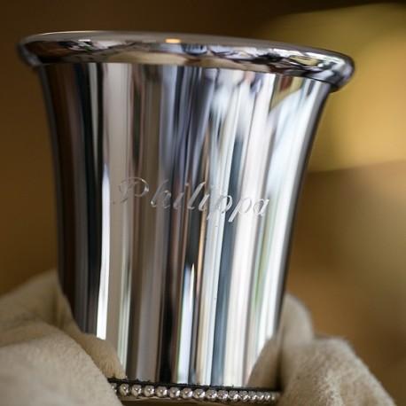 Gegraveerde zilveren kinderbeker met naam
